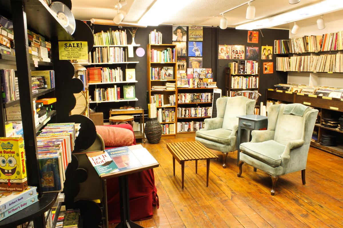 کافه کتاب