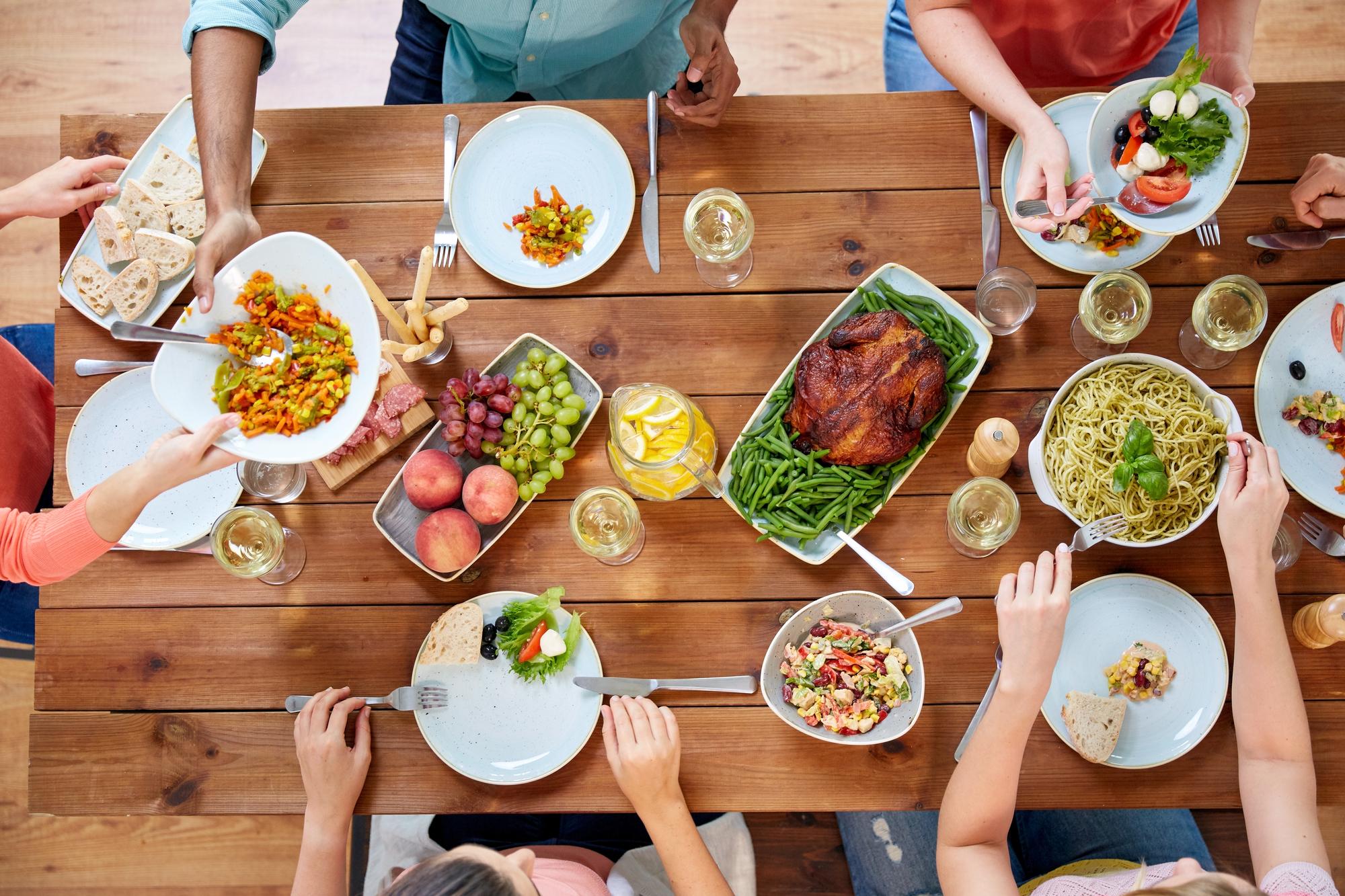 رستوران به سبک خانوادگی