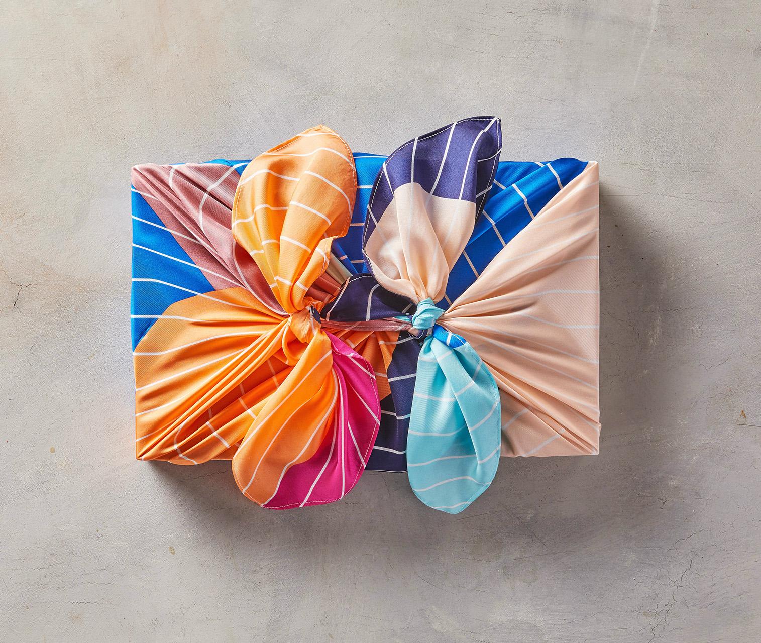 بسته بندی هدیه با پارچه، ایده ای منحصر به فرد و چشم نواز